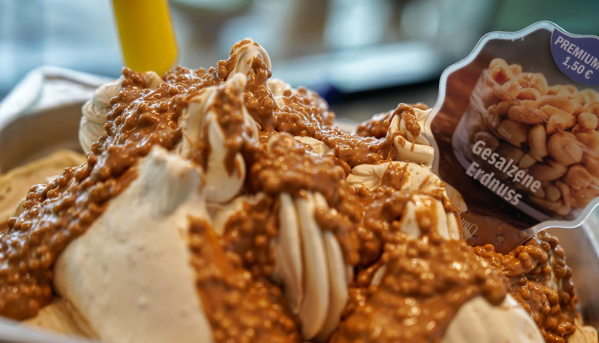 Salzige Erdnuss - ein beliebtes Highlight in unserer Eistheke