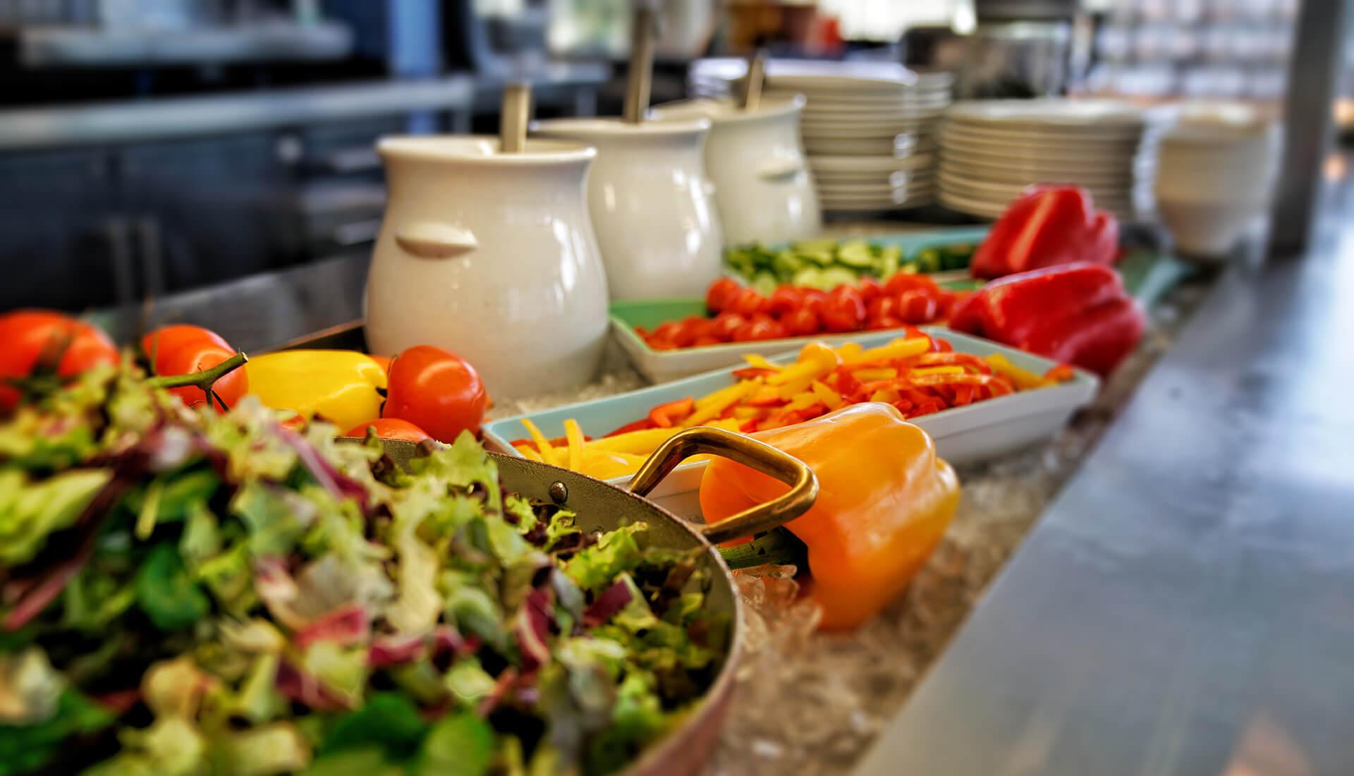 Salate und weitere frische Gerichte